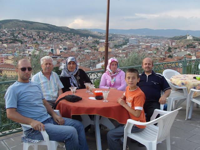 2009 yılında Aydın Çufaoğlu, Enver Çufaoğlu, Neşe Çufaoğlu, Esma İstenci, Harun İstenci'nin 2015 yılında ölen babası Ahmet İstenci ve Harun İstenci Kastamonu Saat Kulesinde...