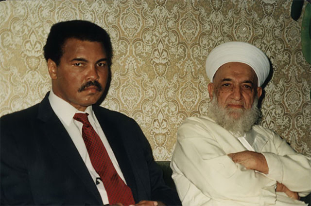 Proses Penyembuhan (Parkinson) Muhammad Ali (Manta Petinju Internasional) Tirakat 40 Hari
