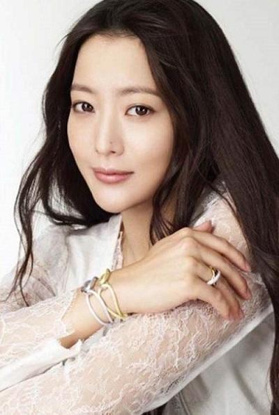 Profil Kim Hee Sun