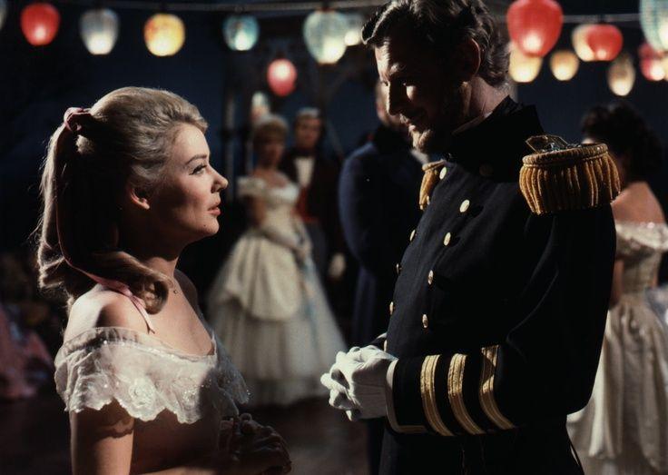 La historia fue desarrollada como una serie de televisión por Jean Holloway  y fue filmada en Hollywood Studios. Hope Lange ganó dos premios Emmy como  la ... 49d071388a2