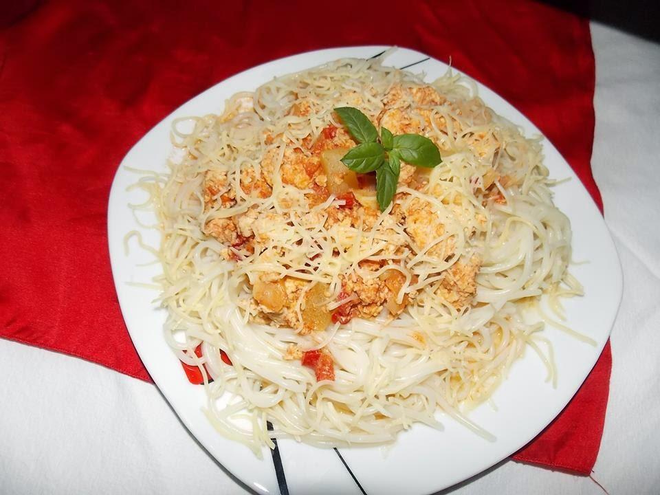 Spaghete bolognese cu pui