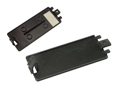 Batteriedeckel für Fernbedienung - oben Original, unten 3D-Druck Kopie