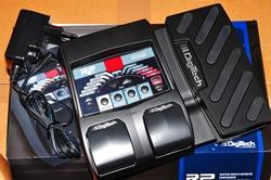 Das Effektgerät DigitTech RP 90...