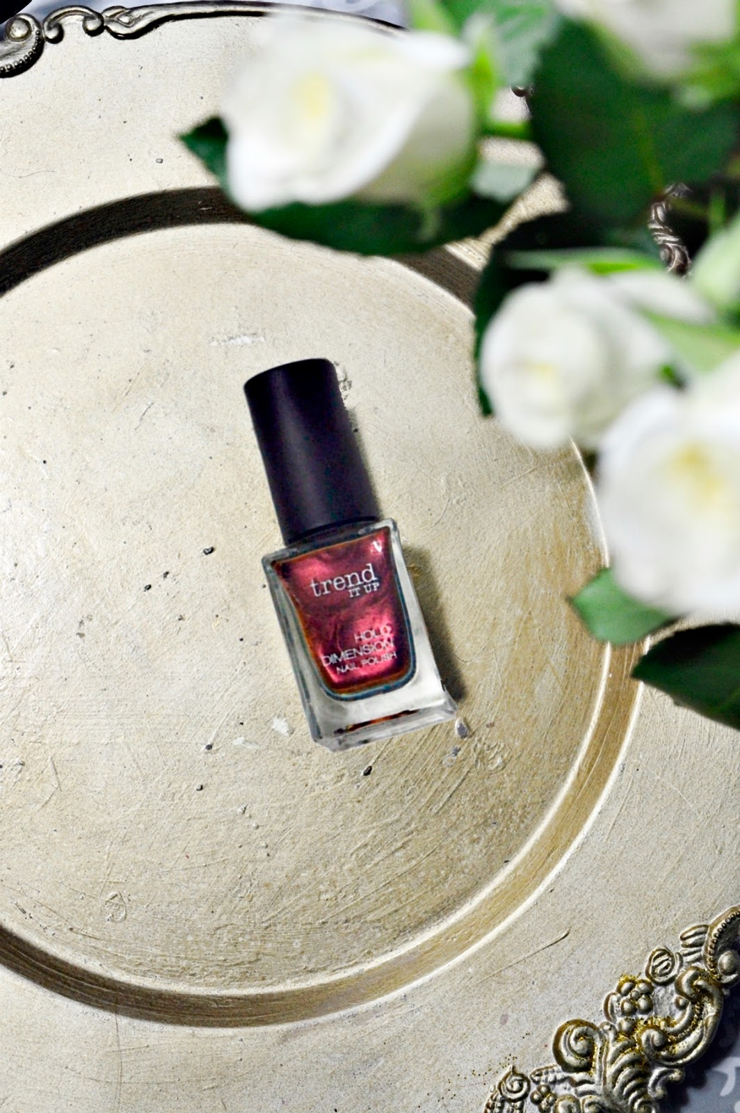 trend It Up Nagellack Holo Dimension Nail Polish 050 Top View 1