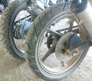 Cara-Mudah-dan-Benar-Merawat-Ban-Sepeda-Motor-Agar-Lebih-Tahan-Awet