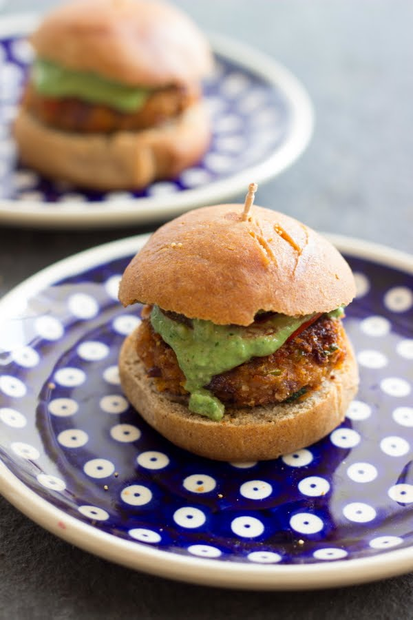 How to make vegan bean burger recipe grilled veggie burger vegan slider cilantro cashew sauce coriander cashew sauce www.oneteaspoonoflife.com