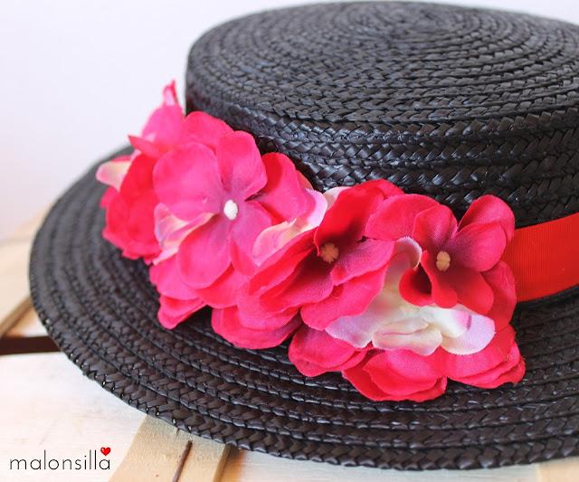 Sombrero canotier copa baja negro con cinta y flores en rojo desmontable diadema flores