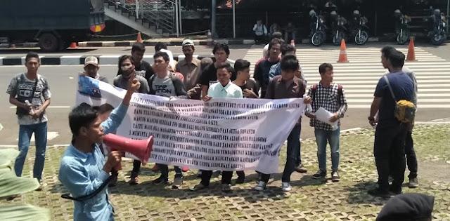 Mahasiswa Akan Lawan KPK Jika Tidak Berani Tangkap Puan dan Pramono