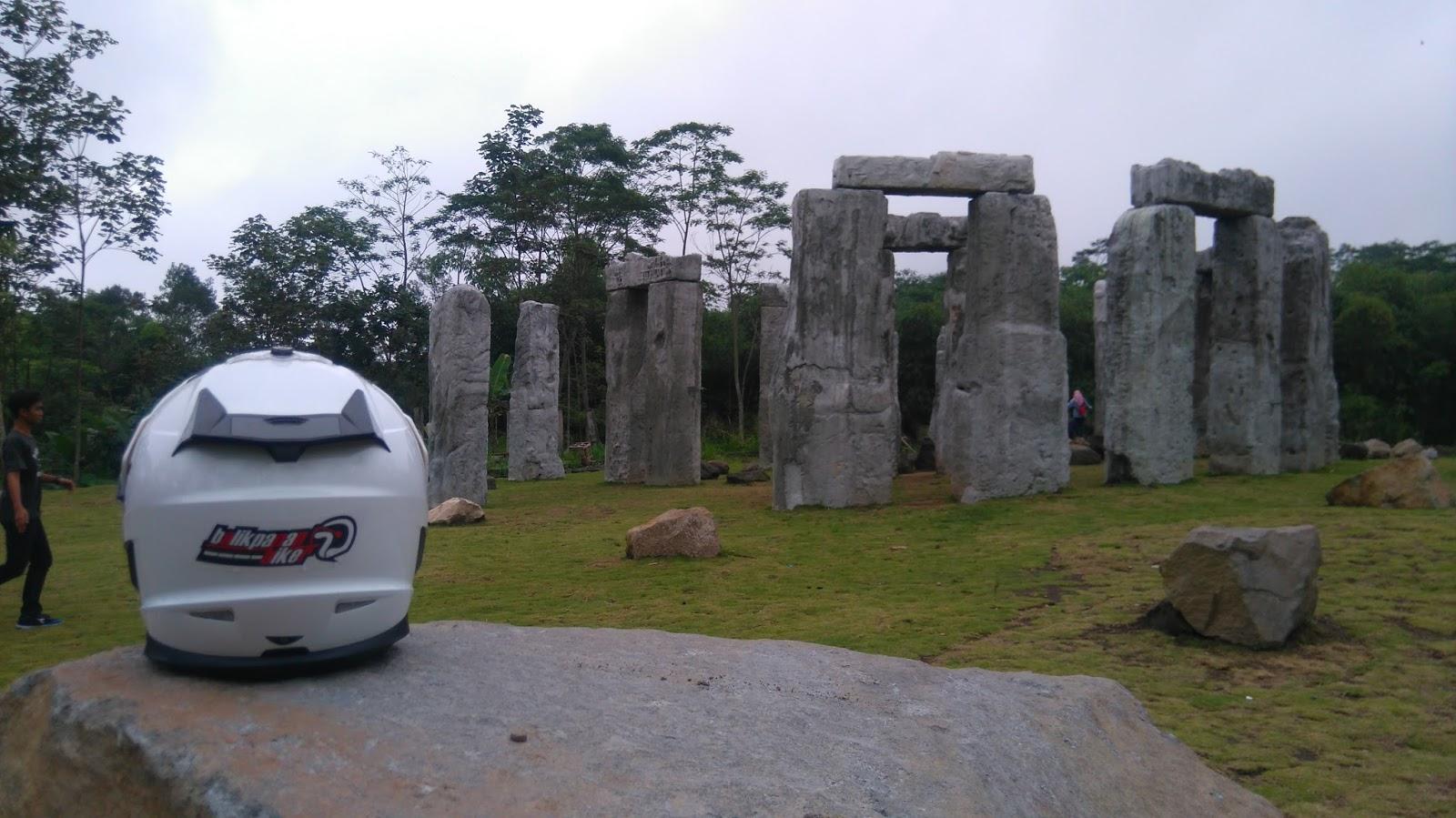 Balikpapan Biker Stonehenge The Lost World Castle Ala Jogja