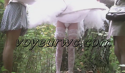 PissHunters 9604-9619 (Spy Girls Peeing Outdoor)