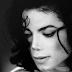Michael, Michael, eles mentiram pra gente! Sony admite usar imitador em álbum de Michael Jackson