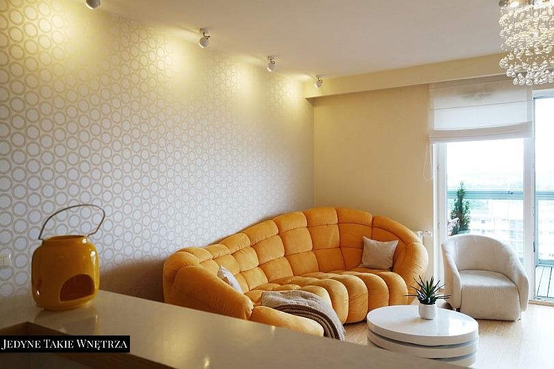 Słoneczny salon z kuchnią w Gdańsku