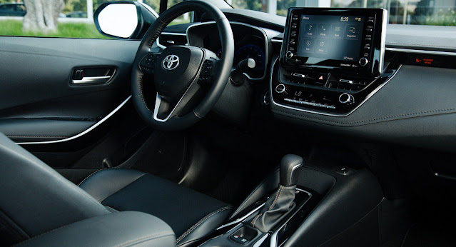 corolla-apex-steering-wheel--infotainment-system-touchscreen-and-gear-shifter