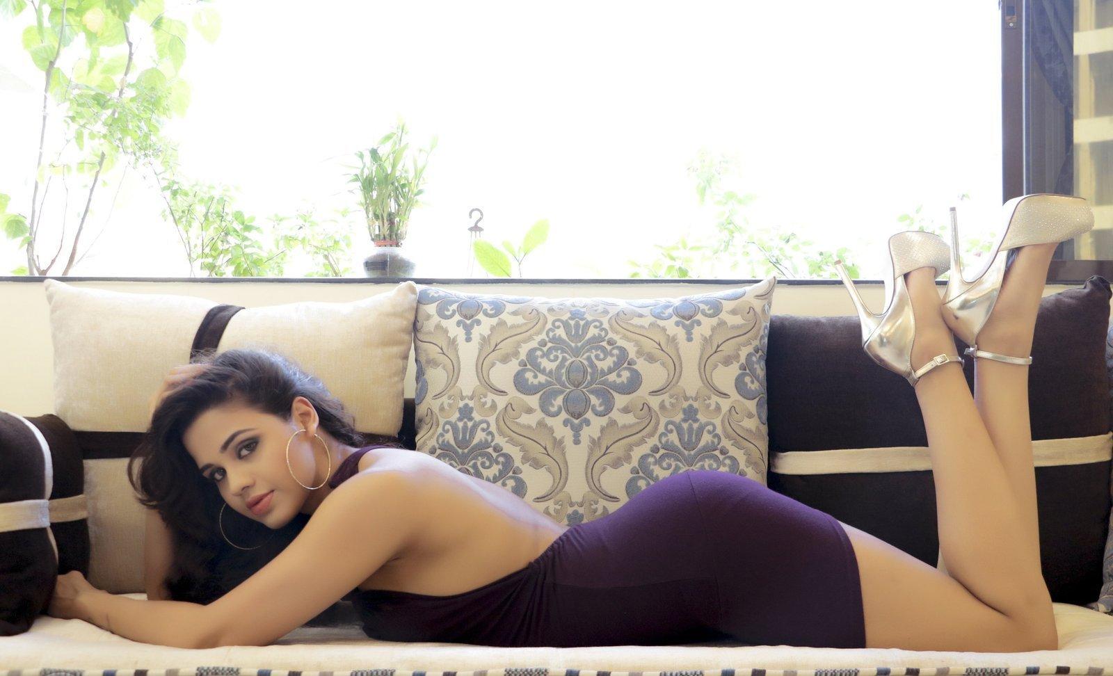 Parina Mirza Ramzan sexy photos in purple dress, Parina Mirza hot pics, Parina Mirza spicy photos