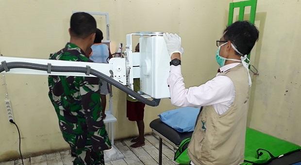 Satgaskes TNI Hidupkan Lagi Pelayanan Radiologi RSUD Agats