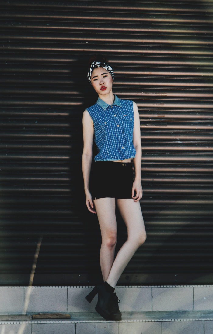 Brunei Blogger May Cho of The Mayden in a rustic, vintage 50s look