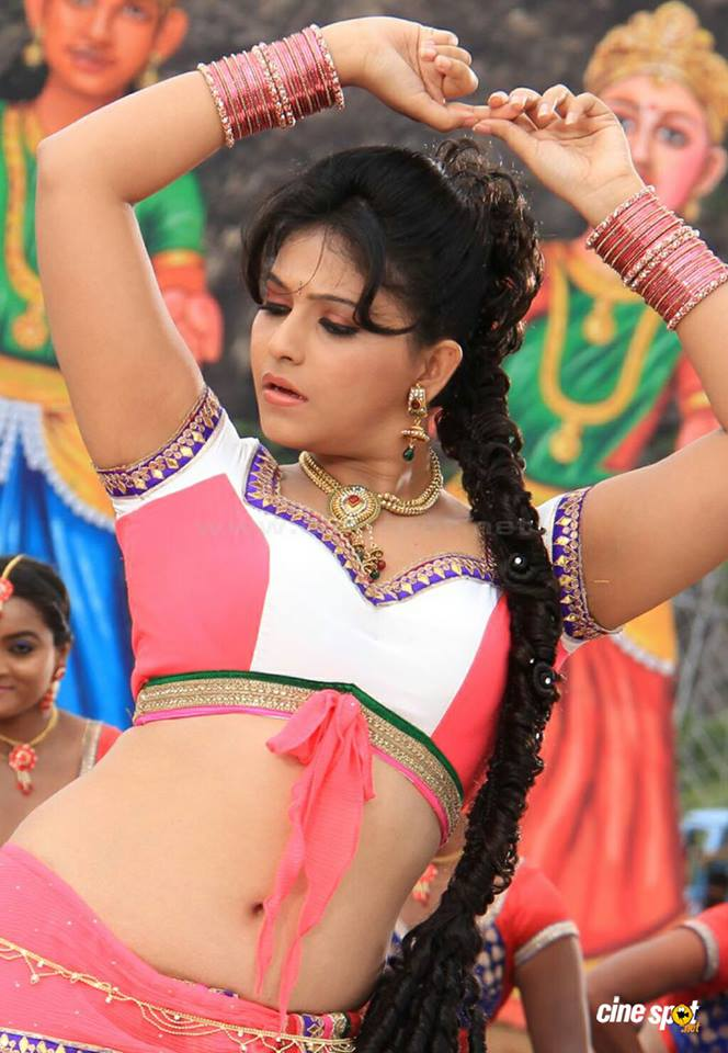 Anjali sexy navel, Anjali hot navel photos, Anjali hot photos from Madha Gaja Raja movie