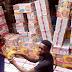 Pria Di Afrika Ini Lamar Kekasihnya Dengan Indomie