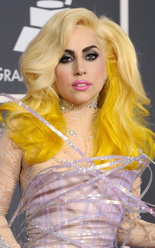 lady gaga in yellow - photo #1