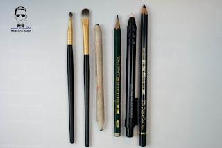ادوات الرسم بالرصاص