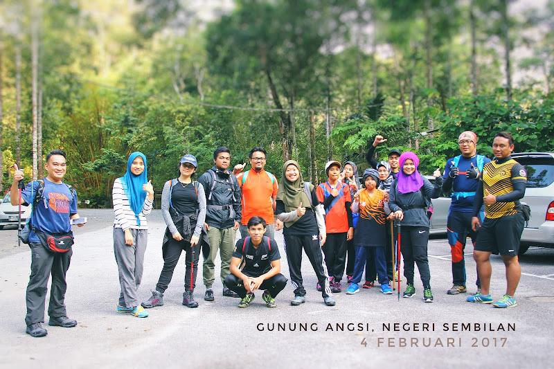 Gambar kumpulan Mendaki Gunung Angsi