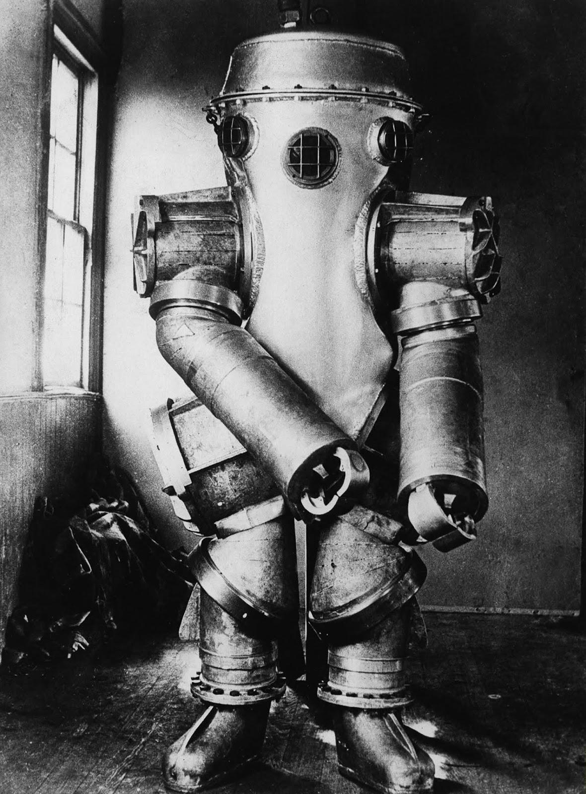 Bowdoin's diving suit. 1934.