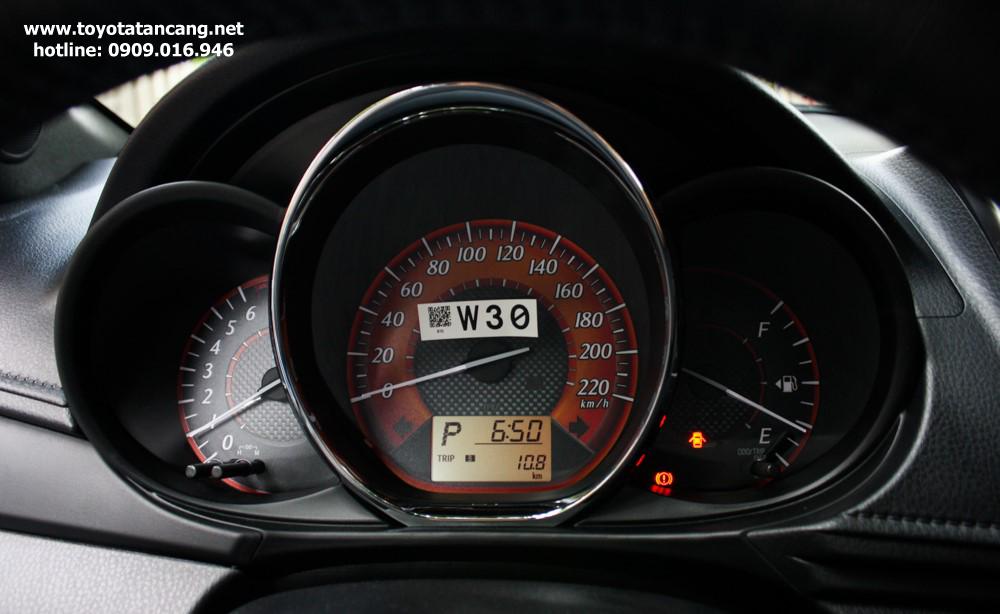 """toyota yaris 2015 toyota tan cang 9 -  - Giá xe Toyota Yaris 2015 nhập khẩu - """"Quả bom tấn"""" của dòng Hatchback"""