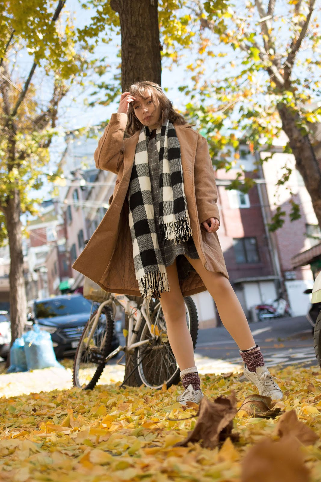how to wear tan camel long oversized coat