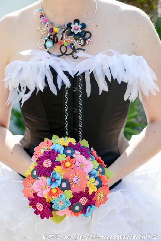 photo bouquet de la mariée, bouquet en tissus, pin up, année 50, thème mariage musique