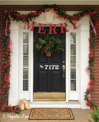 Trash to Treasure Front Porch Christmas Decor