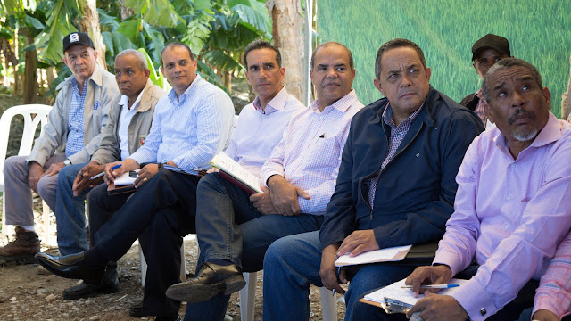 Productores de Vicente Noble se reúnen con comisión presidencial para coordinar iniciativas VS 196