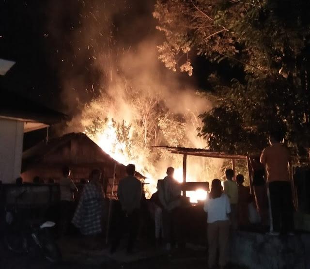 Rumah Pelaku Pencabulan Dibakar Ratusan Massa
