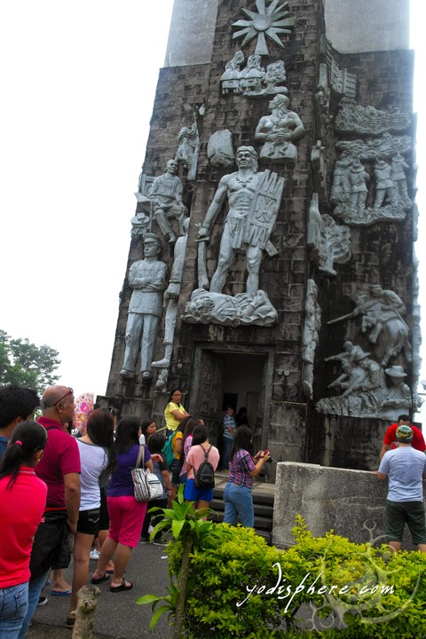 Queue of tourists outside the Memorial Cross Entrance