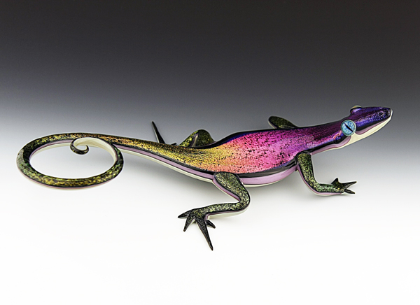 17-Skink-Scott-Bisson-Glass-Sea-and-Land-Animals-www-designstack-co