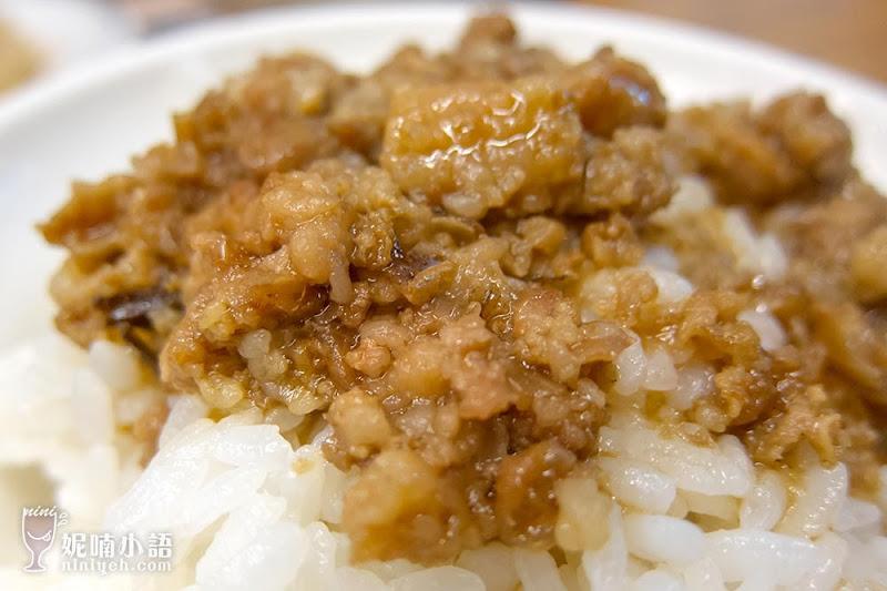 【台南美食】蔡三毛蔡家豬血湯。對抗不景氣的銅板美食