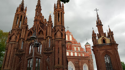 iglesia-santa-ana-iglesia-bernardinos-vilnius-lituania-enlacima