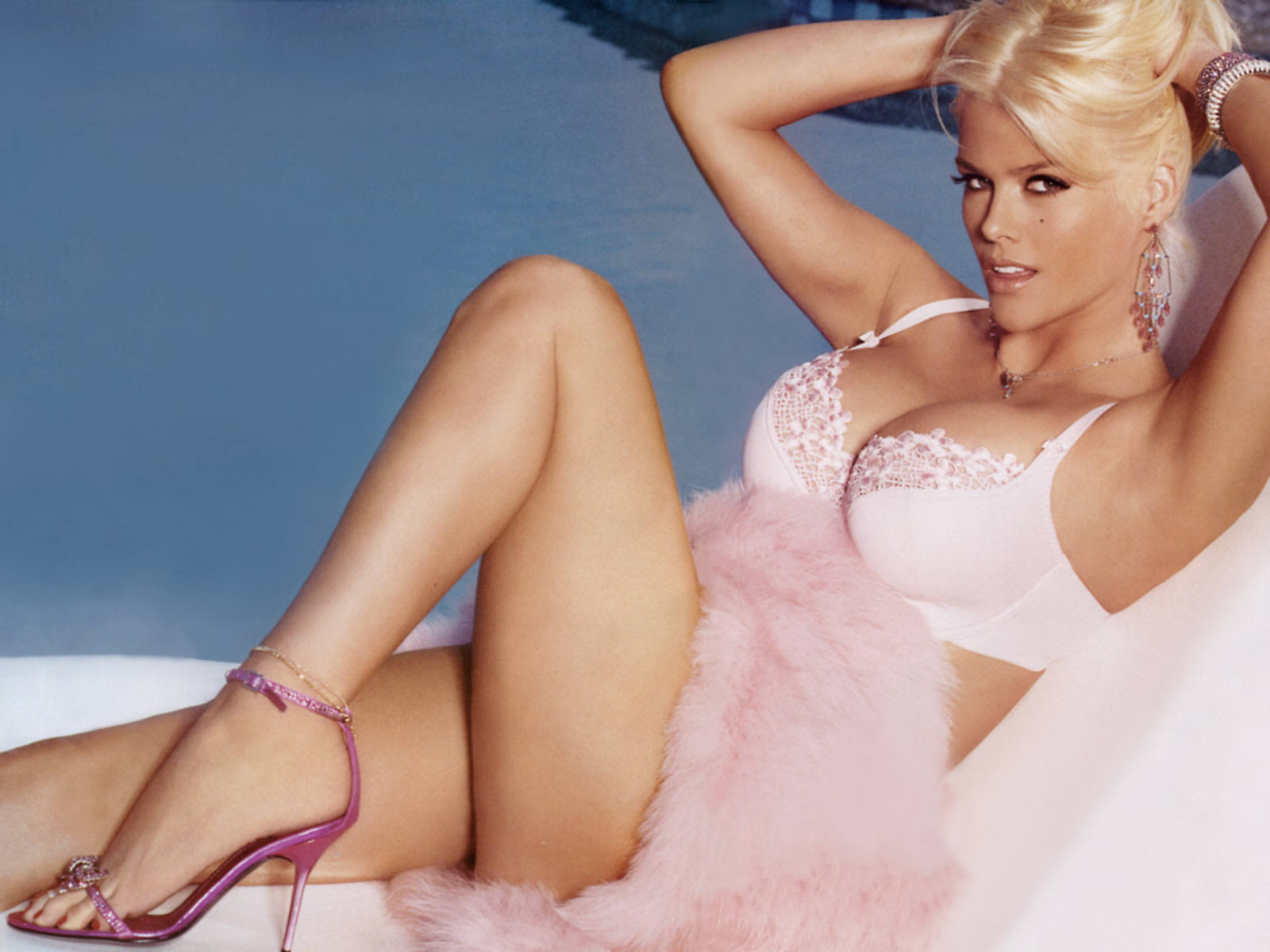 Anna Nicole Smith Sexy Movies 99