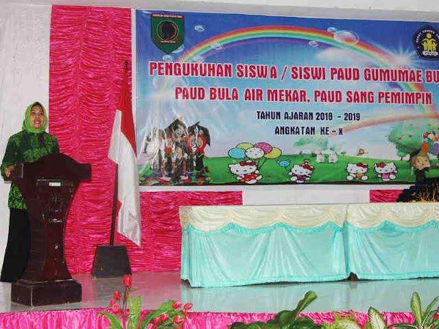 Misa Keliobas Kukuhkan Wisuda 102 Siswa PAUD di Seram Bagian Timur
