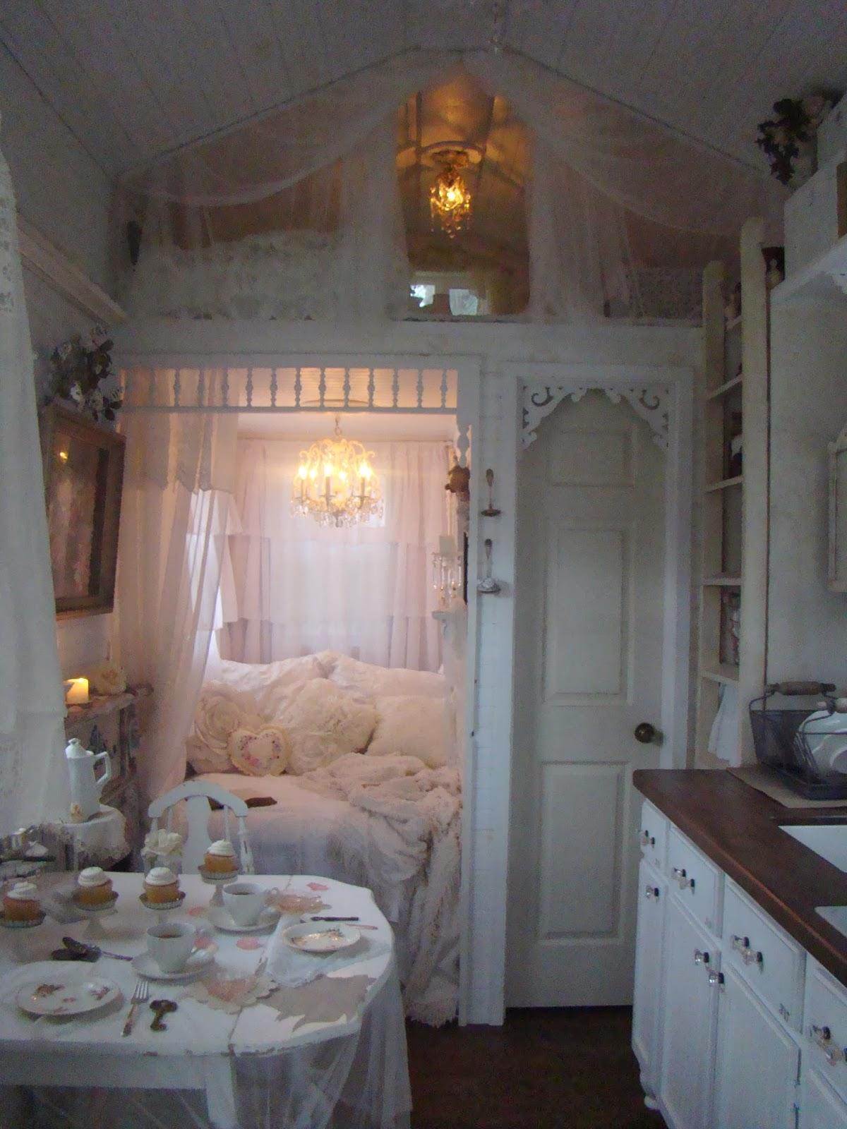 Shabby chic tiny retreat tea for two in my sweet retreat - Tiny house decorating ideas ...