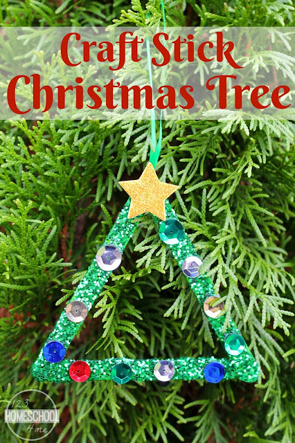 Christmas Tree Craft for kids - preschool, toddlers, preschoolers, kindergarten. This super easy ornament craft makes a simple decoration