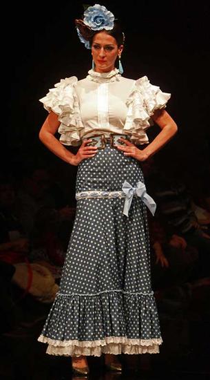 blusa y falda flamenca de Margarita Freire