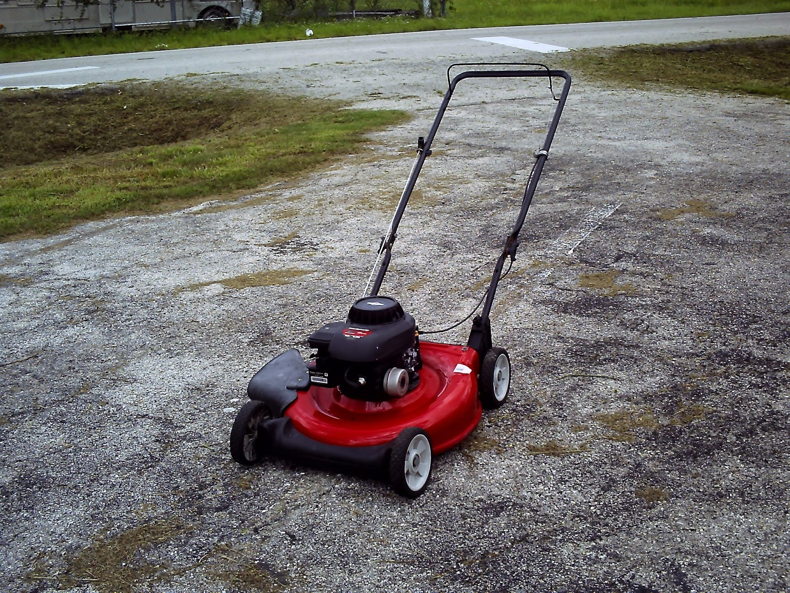 mtd 21 push mower rebuilt and resored to it s former glory has a briggs stratton engine with 5 horses to back it up excellent running working  [ 1600 x 1200 Pixel ]