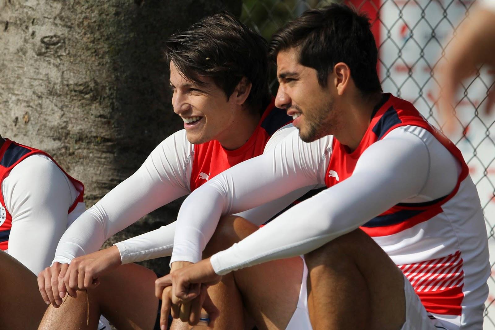 Rodolfo Pizarro con Carlos Fierro.