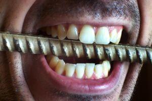gout metallique dans la bouche cause