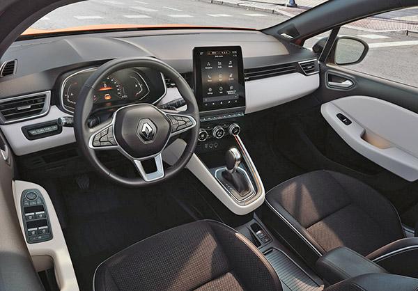 Burlappcar 2019 Renault Clio Interior