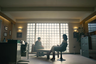"""Bandersnatch"" Black Mirror - Stefan sits with his therapist."