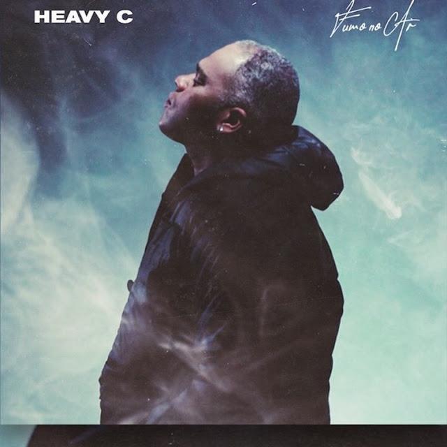 """""""Fumo No Ar"""" é a nova música promocional do músico e compositor angolano """"Heavy C"""". Sem mais demora, faça o download e desfrute da boa música."""