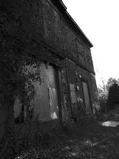 "<img src=""side wall"" alt="" https://derelictmanchester.blogspot.com/p/derelict-mansion-house-on-vine-st-and.html"" />"