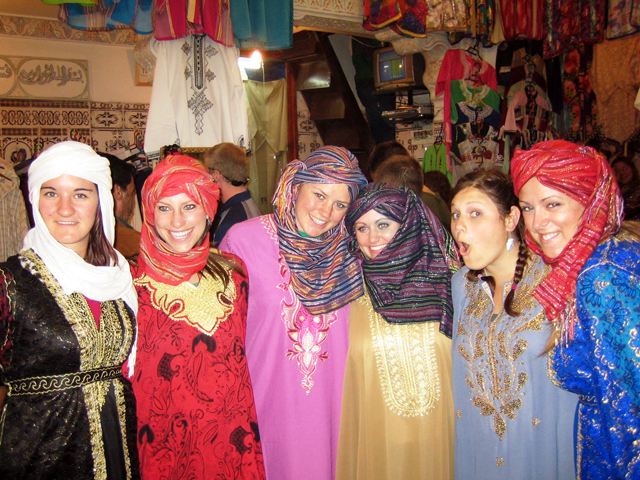 MoroCult: Moroccan Clothing For Women