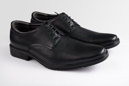 8 Sepatu Pria Bagus dan Keren yang Lagi Nge-trend Sekarang